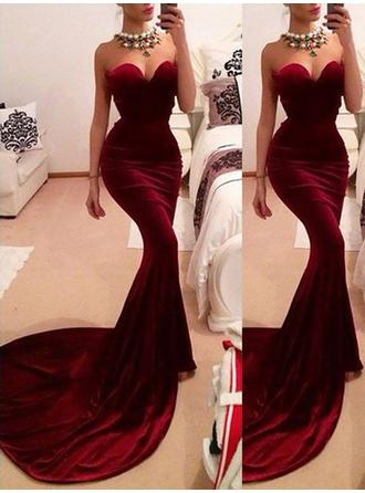 Trumpet/Mermaid Sweetheart Velvet Sleeveless Sweep Train Ruffle Evening Dresses