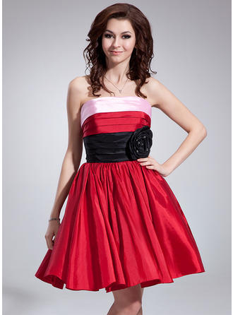 A-Line/Princess Taffeta Prom Dresses Ruffle Beading Strapless Sleeveless Knee-Length