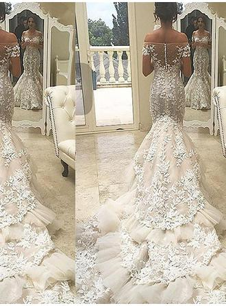 Trumpet/Mermaid Off-The-Shoulder Chapel Train Wedding Dress With Lace Beading Appliques Lace
