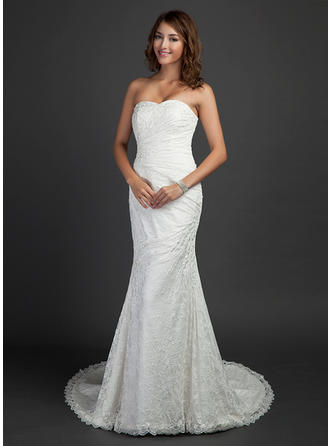 Trumpet/Mermaid Sweetheart Court Train Wedding Dresses With Ruffle Beading
