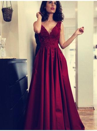 A-Line/Princess Sweep Train Evening Dresses With Appliques Lace