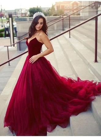 Ball-Gown Tulle Prom Dresses Delicate Court Train Sweetheart Sleeveless