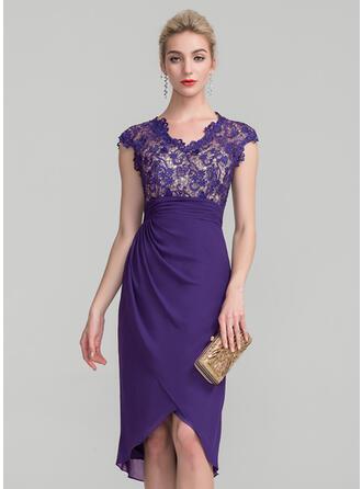 Etui-Linie V-Ausschnitt Asymmetrisch Chiffon Spitze Kleid für die Brautmutter mit Rüschen