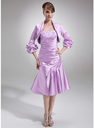 A-Line/Princess Knee-Length Mother of the Bride Dresses With Ruffle Lace Beading