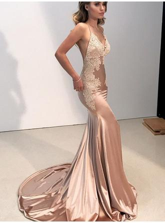Luxurious Evening Dresses Trumpet/Mermaid Sweep Train V-neck Sleeveless