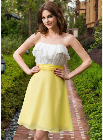 A-Line/Princess Sweetheart Knee-Length Chiffon Homecoming Dresses With Cascading Ruffles