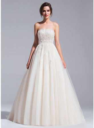 Delicate Chapel Train Ball-Gown Wedding Dresses Strapless Tulle Sleeveless