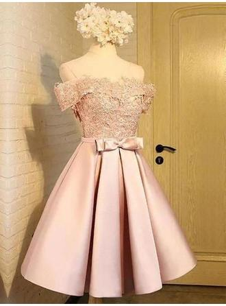 A-Line/Princess Knee-Length Satin Off-the-Shoulder Homecoming Dresses