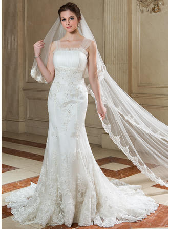 Trumpet/Mermaid Court Train Wedding Dress With Ruffle Lace Beading