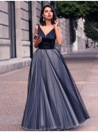 A-Line/Princess V-neck Floor-Length Evening Dresses With Ruffle