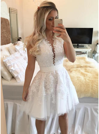 Sash Beading A-Line/Princess Short/Mini Lace Homecoming Dresses