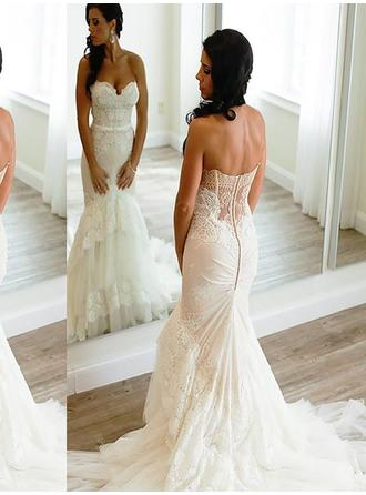 Trumpet/Mermaid Sweetheart Court Train Wedding Dress With Lace Appliques Lace