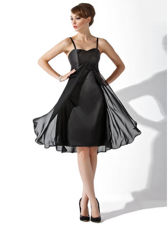 Empire Sweetheart Knee-Length Chiffon Charmeuse Bridesmaid Dress With Ruffle