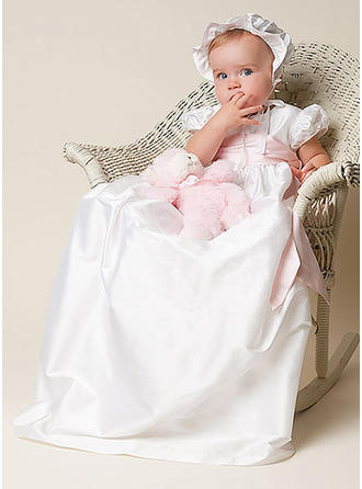 Satin Scoop Neck Sash Baby Girl's Christening Gowns With Short Sleeves