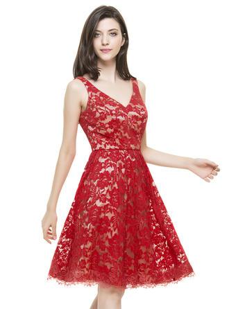 V-neck Sleeveless Lace Fashion Homecoming Dresses