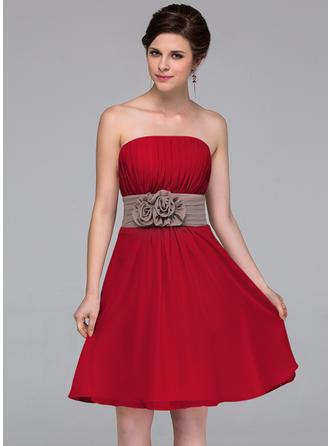 Chiffon Sleeveless A-Line/Princess Bridesmaid Dresses Strapless Sash Flower(s) Knee-Length