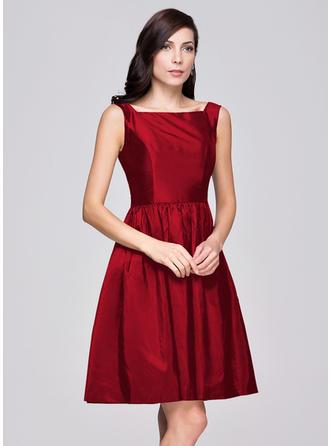 Taffeta Sleeveless A-Line/Princess Bridesmaid Dresses Square Neckline Ruffle Knee-Length