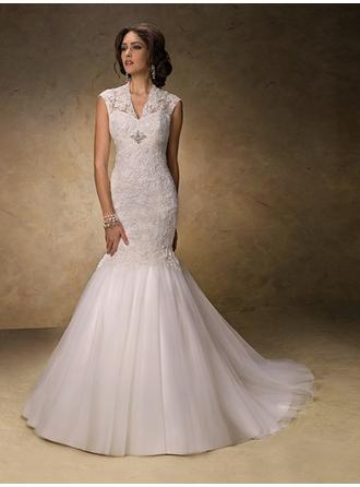 Trumpet/Mermaid V-neck Court Train Wedding Dresses With Lace Beading