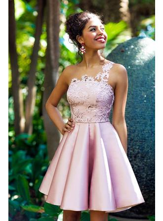 Appliques A-Line/Princess Knee-Length Satin Homecoming Dresses