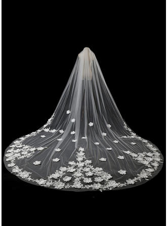 One-tier Lace Applique Edge Cathedral Bridal Veils With Satin Flower/Lace (006118488)