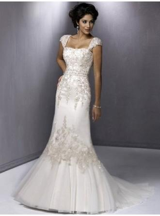Sheath/Column Square Sweep Train Wedding Dresses With Lace Appliques Lace