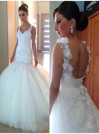 Elegant Court Train Trumpet/Mermaid Wedding Dresses V-neck Tulle Sleeveless