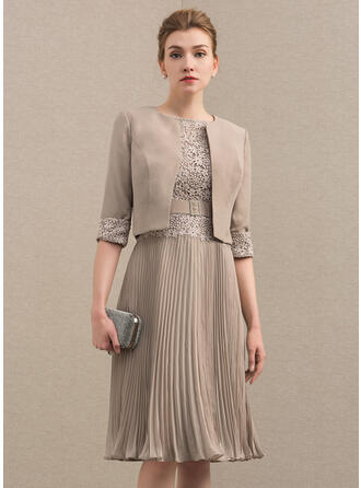 A-Line Scoop Neck Knee-Length Chiffon Lace Mother of the Bride Dress With Pleated