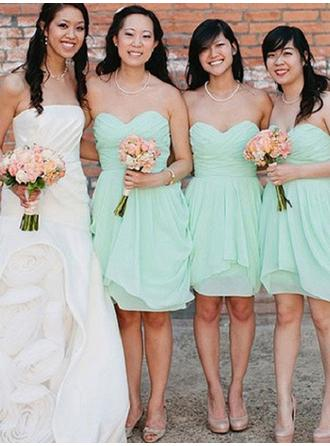 Chiffon Sleeveless Sheath/Column Bridesmaid Dresses Sweetheart Cascading Ruffles Knee-Length