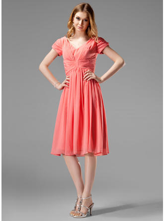 Chiffon Short Sleeves A-Line/Princess Bridesmaid Dresses V-neck Ruffle Knee-Length