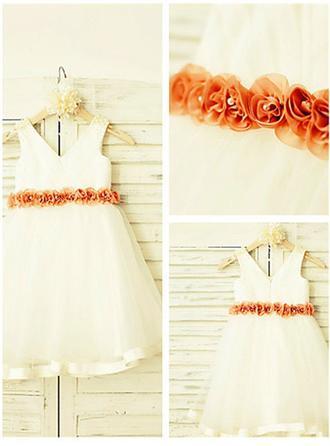 A-Line/Princess V-neck Knee-length With Flower(s) Satin/Tulle Flower Girl Dresses