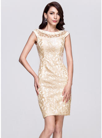 Sheath/Column Scoop Neck Lace Sleeveless Knee-Length Cocktail Dresses