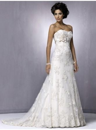 A-Line/Princess Strapless Sweep Train Wedding Dresses With Lace Flower(s)
