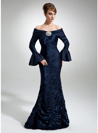 Trumpet/Mermaid Off-the-Shoulder Floor-Length Mother of the Bride Dresses With Ruffle Crystal Brooch
