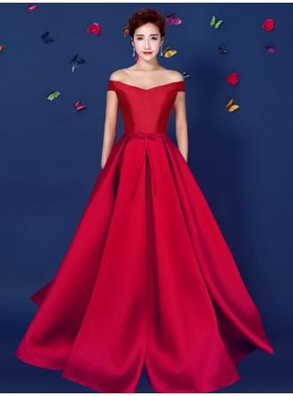 A-Line/Princess Off-the-Shoulder Sweep Train Evening Dress