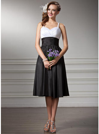 Taffeta Sleeveless Empire Bridesmaid Dresses Sweetheart Ruffle Knee-Length