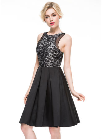 A-Line/Princess Scoop Neck Knee-Length Cocktail Dress