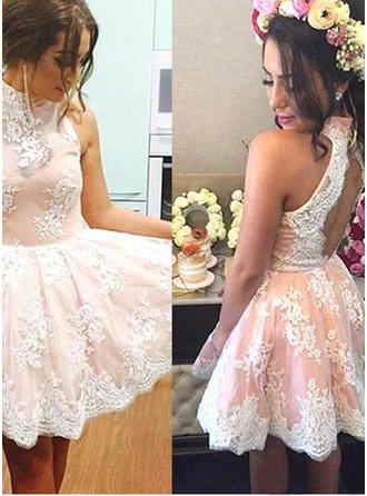 A-Line/Princess High Neck Knee-Length Lace Cocktail Dresses
