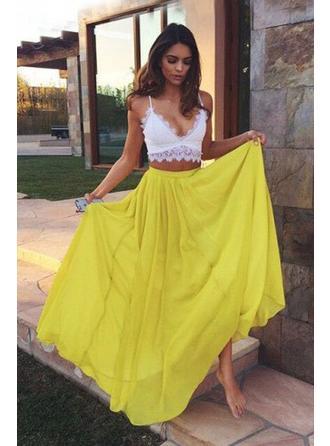 A-Line/Princess V-neck Floor-Length Chiffon Prom Dress With Lace