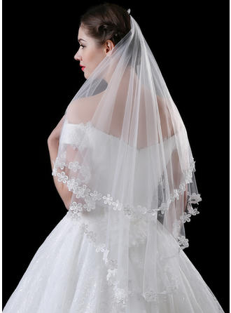 One-tier Lace Applique Edge Waltz Bridal Veils With Lace (006118514)
