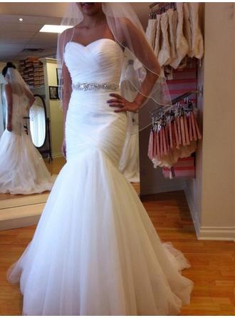 Trumpet/Mermaid Sweetheart Chapel Train Wedding Dresses With Ruffle Beading