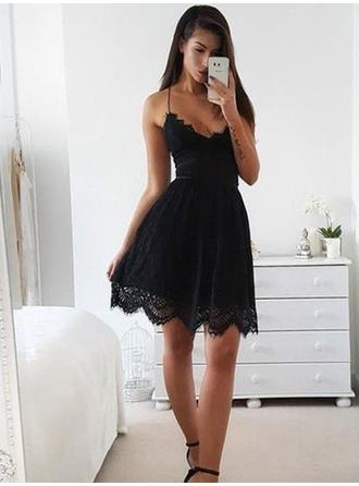 Magnificent Lace Sleeveless V-neck Homecoming Dresses