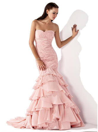 Trumpet/Mermaid Sweetheart Sweep Train Evening Dress With Cascading Ruffles
