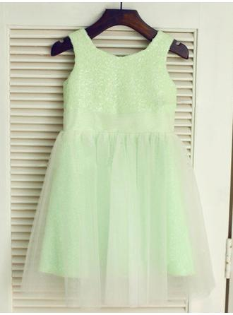 A-line/Princess Scoop Sleeveless Long Tulle Dresses