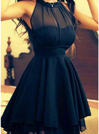 A-Line/Princess Plus Chiffon Scoop Neck Homecoming Dresses