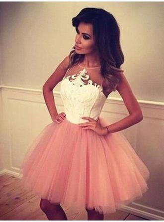 A-Line/Princess Appliques Lace Homecoming Dresses Scoop Neck Sleeveless Short/Mini