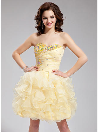 A-Line/Princess Sweetheart Short/Mini Organza Homecoming Dresses With Beading Cascading Ruffles