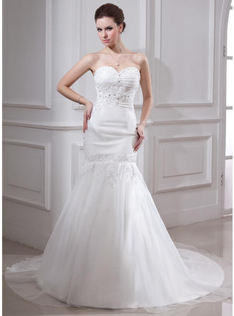 Trumpet/Mermaid Sweetheart Chapel Train Wedding Dresses With Ruffle Lace Beading