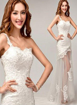Sheath/Column One Shoulder Court Train Wedding Dress With Lace Appliques Lace
