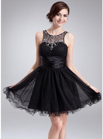 A-Line/Princess Scoop Neck Short/Mini Tulle Homecoming Dresses With Ruffle Beading