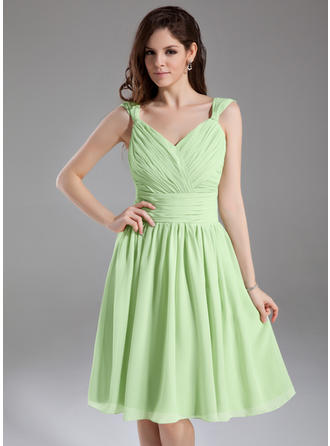 Sleeveless A-Line/Princess Bridesmaid Dresses V-neck Ruffle Knee-Length
